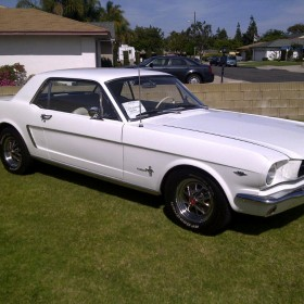 ford-mustang-65-weiss-04