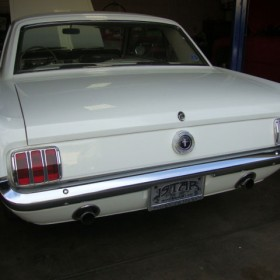 ford-mustang-65-weiss-22