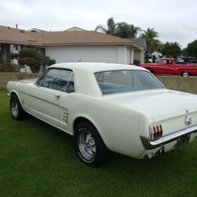 ford-mustang-weiss-28
